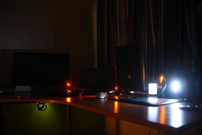 ordinateur de bureau en mode veille ou en veille