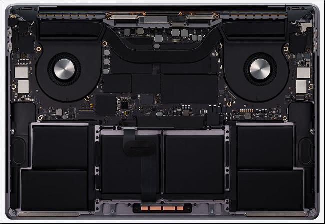 Le matériel d'un MacBook Pro 16 pouces 2020.