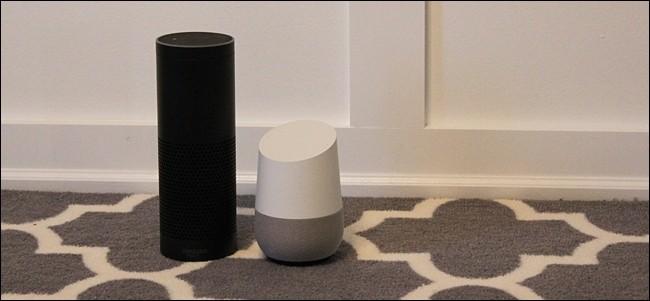 Un Amazon Echo et un Google Home côte à côte