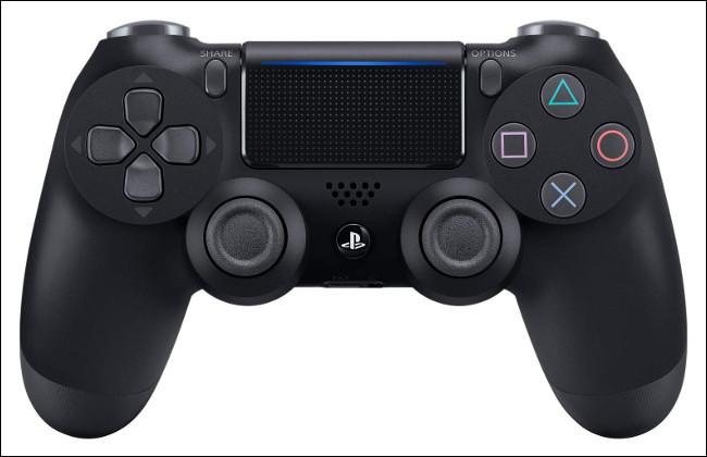 Un contrôleur Sony DualShock 4.