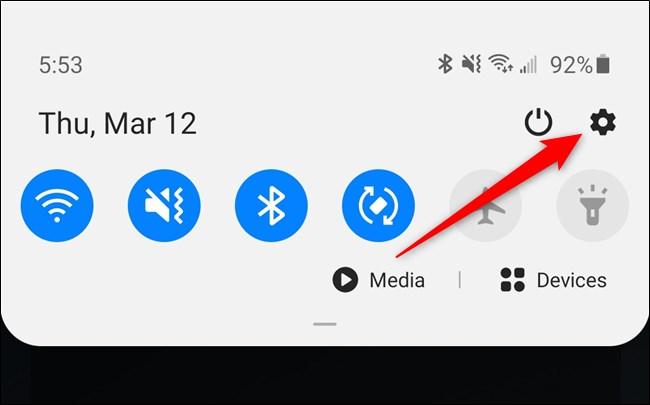 Samsung Galaxy S20 Sélectionnez l'icône d'engrenage du menu Paramètres