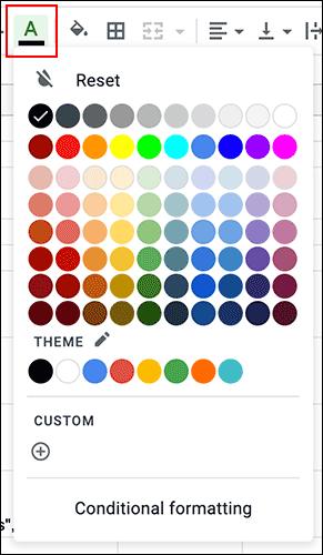 Pour modifier la couleur du texte d'une cellule dans Google Sheets, cliquez sur le menu déroulant Couleur du texte dans la barre d'outils de mise en forme