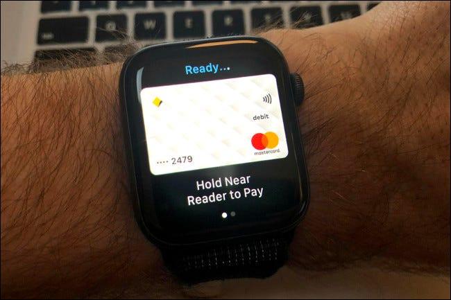 Apple Pay sur l'Apple Watch Series 4.