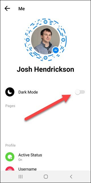 Paramètres du compte de l'application Messenger avec une flèche pointant vers le mode sombre