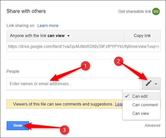 """Tapez le nom ou l'adresse e-mail de la personne, sélectionnez les autorisations appropriées, puis cliquez sur """"Terminé."""""""