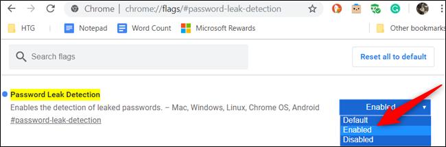 """Pour activer l'indicateur, cliquez sur la liste déroulante pour """"Détection de fuite de mot de passe"""" et choisissez """"Activée"""" de la liste."""