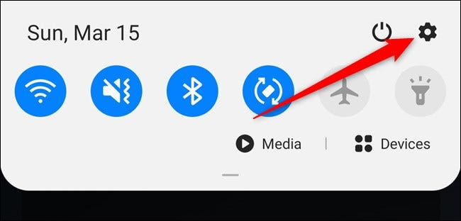 Samsung Galaxy S20 Ouvrez le volet de notification, puis sélectionnez l'engrenage des paramètres