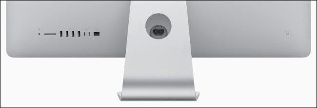 L'entrée / sortie sur un iMac Apple 2019.