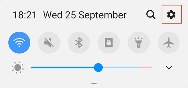 Appuyez sur l'icône d'engrenage dans votre ombre de notifications.