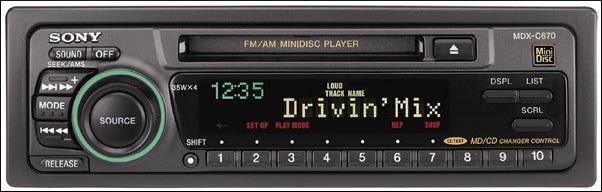 Un Sony MiniDisc vierge de 74 minutes.
