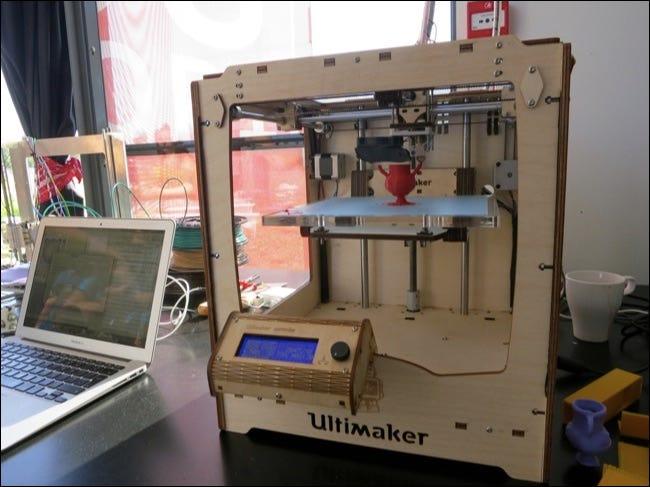 Imprimante 3d et ordinateur portable