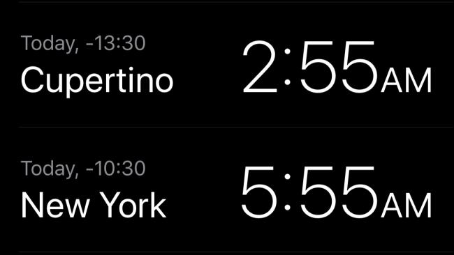 L'heure locale à Cupertino et à New York dans l'application Horloge.