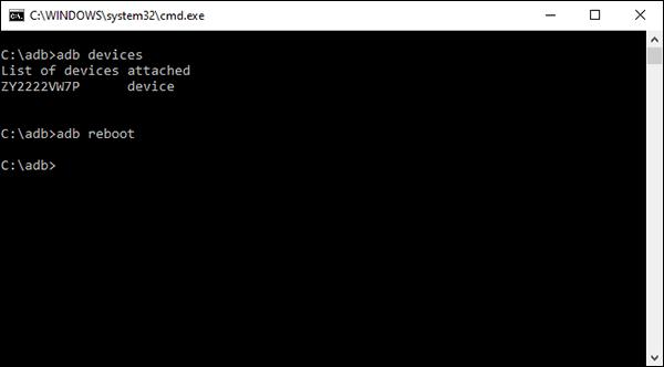 Une commande de redémarrage d'Android Debug Bridge (ADB) sur un ordinateur Windows.