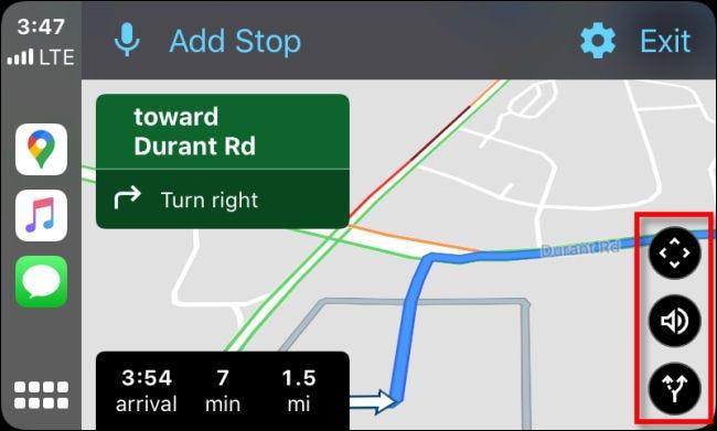 Examen des trois boutons d'option noirs dans Google Maps sur CarPlay via iPhone.