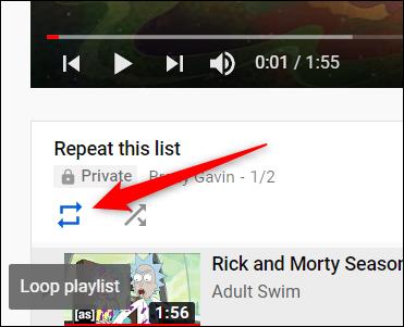 Lorsque la première vidéo se charge, cliquez sur l'icône Boucle, située sous la vidéo.