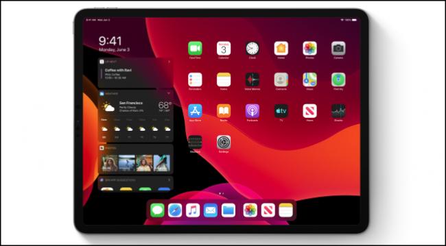 Écran d'accueil iPadOS en mode sombre affichant des widgets