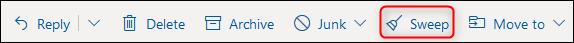"""La barre d'outils Outlook avec le """"Balayer"""" bouton mis en surbrillance."""