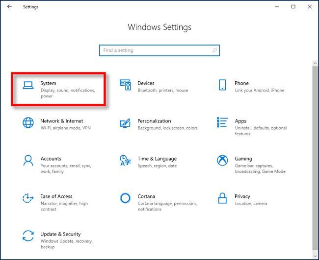 Cliquez sur Système dans les paramètres sous Windows 10