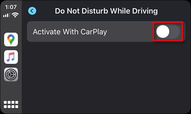 """Appuyez sur le bouton à côté """"Activer avec CarPlay"""" dans les paramètres Apple CarPlay."""