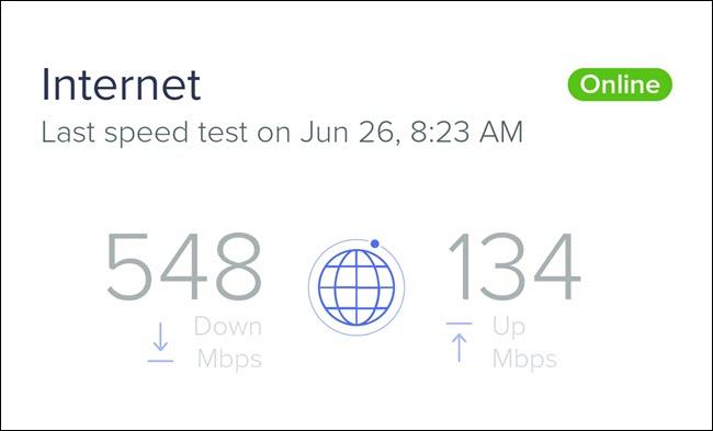 Un test de vitesse Internet montrant une vitesse de téléchargement de 548 Mbps et une vitesse de téléchargement de 134 Mbps.