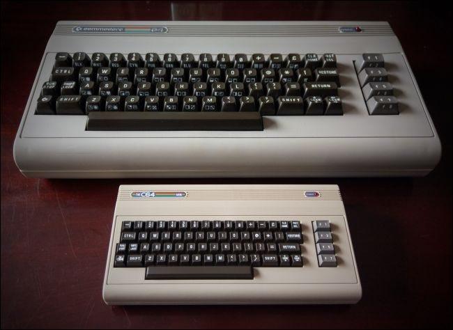 TheC64 Mini et Breadbin Commodore 64. Merci à Chris Whillock pour la photo.