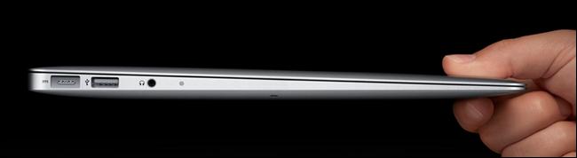 Macbook Air, montrant la vue de profil latéral mince.